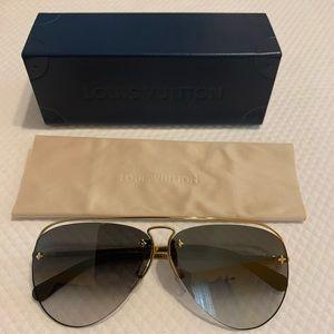 😍 Louis Vuitton Grease Sunglasses 🕶